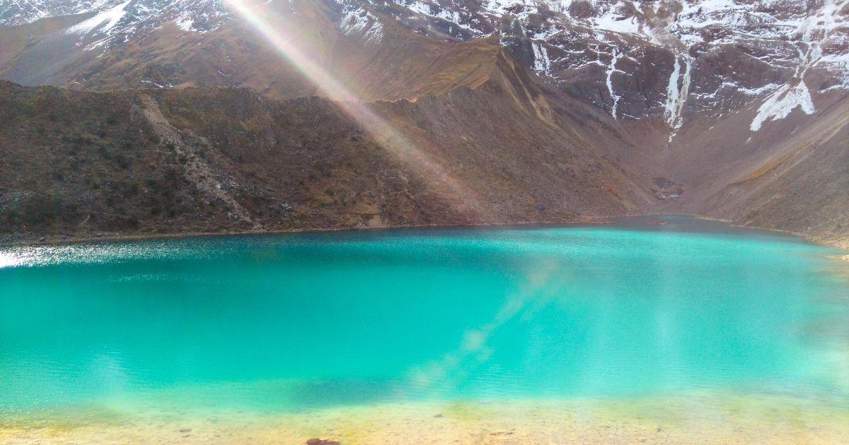 クスコ州の標高4200m ターコイズブルーが美しい【ウマンタイ湖】とは ...